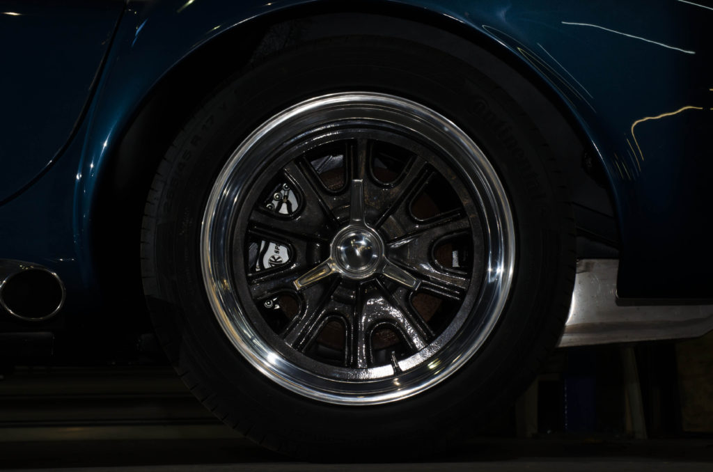 17 Inch Chb Anthracite Centre Rear